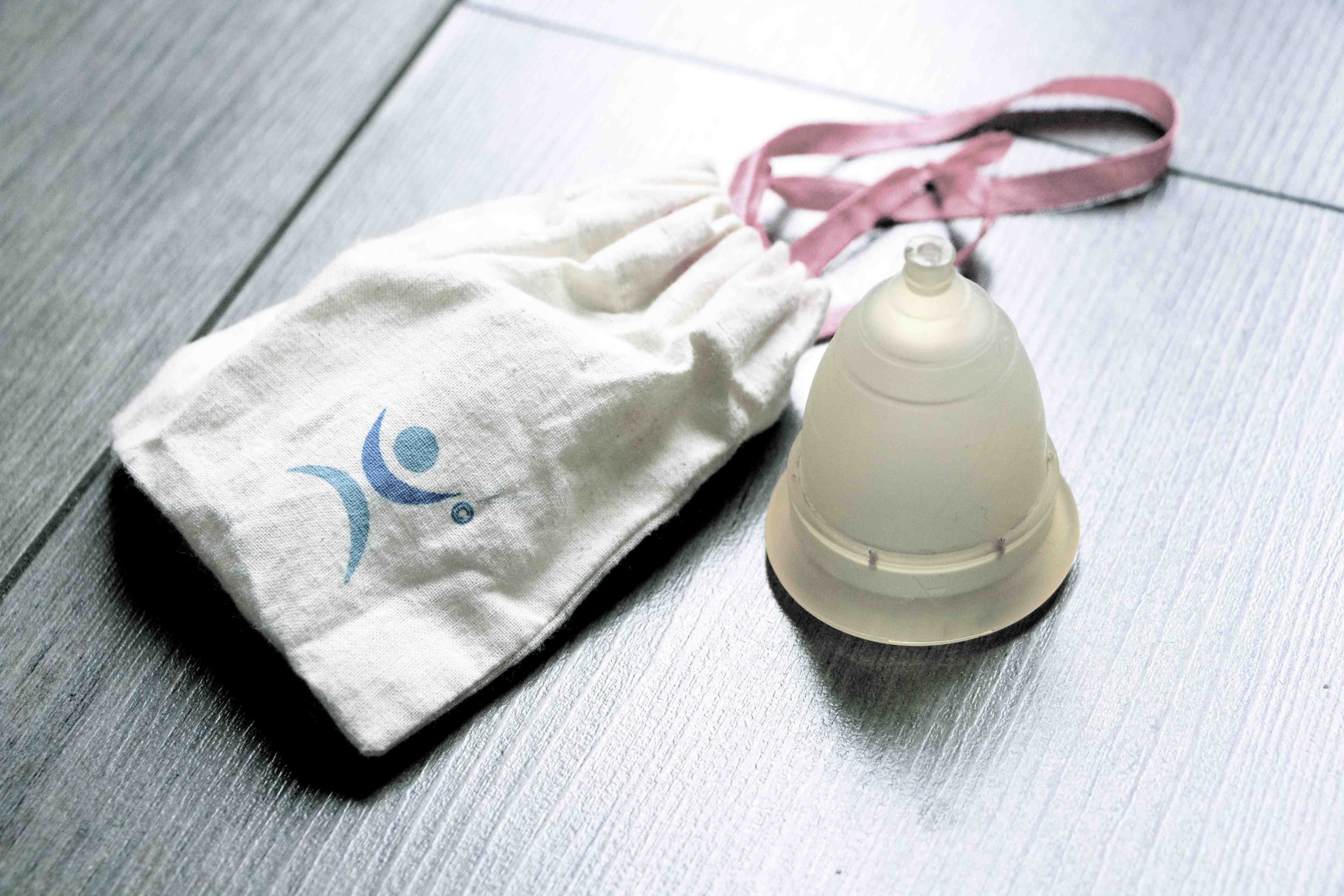 La coupe menstruelle une r volution monagrom - Coupe menstruelle mooncup ...