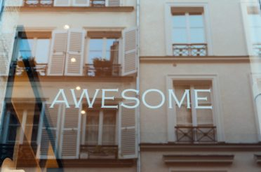 Embarquement pour Hawaï chez Awesome